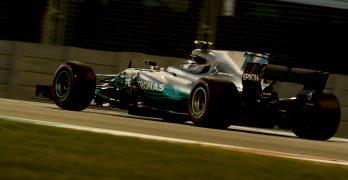 Bottas beats Hamilton in final race of 2017